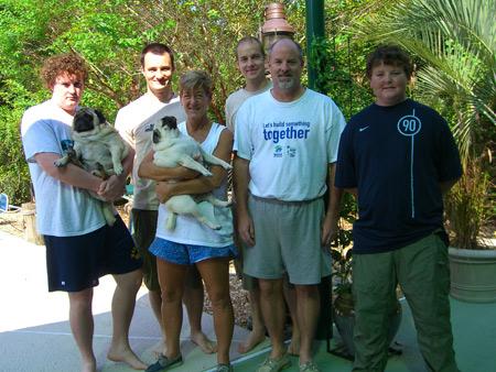 Jay, Murphy, ich, Jody, Maybelle, Ronny, Chris und Cliff